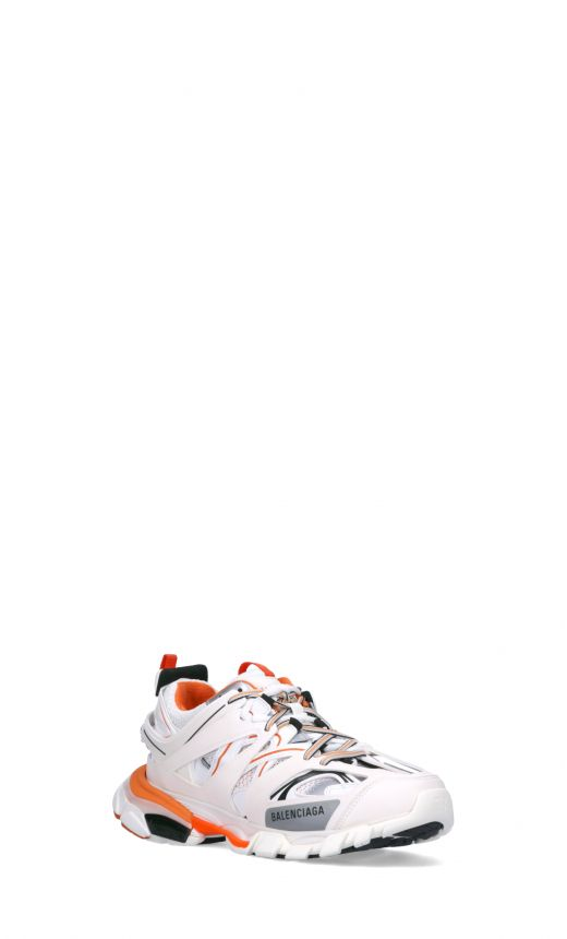 Sneakers Track